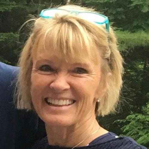 Lisa Repp Parsons - Avita Yoga Teacher, Avita Yoga Teacher Training graduate 2020.
